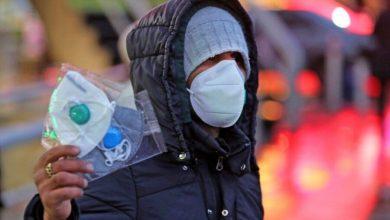 تصویر از بررسی های میدانی از کاهش میزان استفاده مردم دزفول از ماسک حکایت می کند